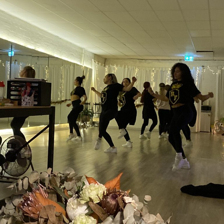 Royal Family Dance Crew - The Buzz Dance And Fitness